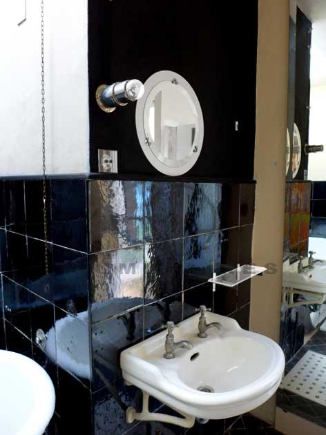 eileen gray villa e1027 rapha l armand luminaires art d co et modernistes des ann es 30. Black Bedroom Furniture Sets. Home Design Ideas